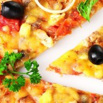 Pizza tomate, fromage, persil